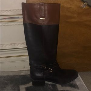 Black/brown boots